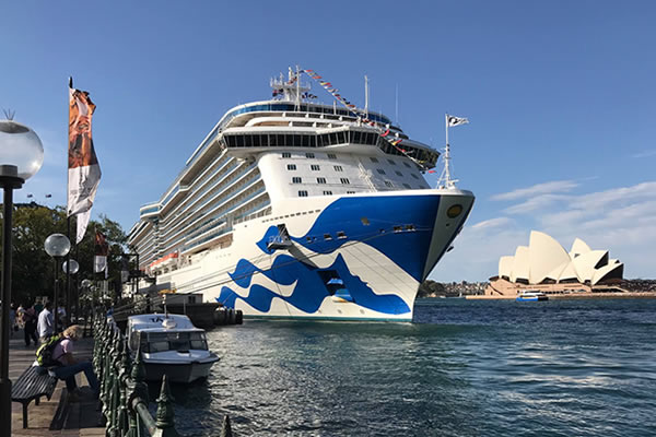 cruise ships departing from Sydney (New South Wales)